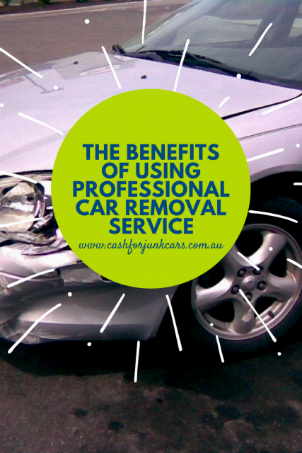 Blog  image photo with title Benefits of Using Professional Car Removal Service and image of totaled car